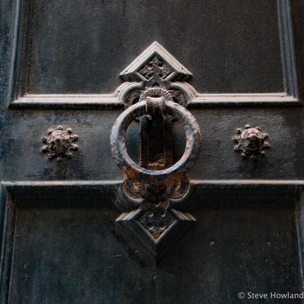 Door knocker in Ciutadella de Menorca