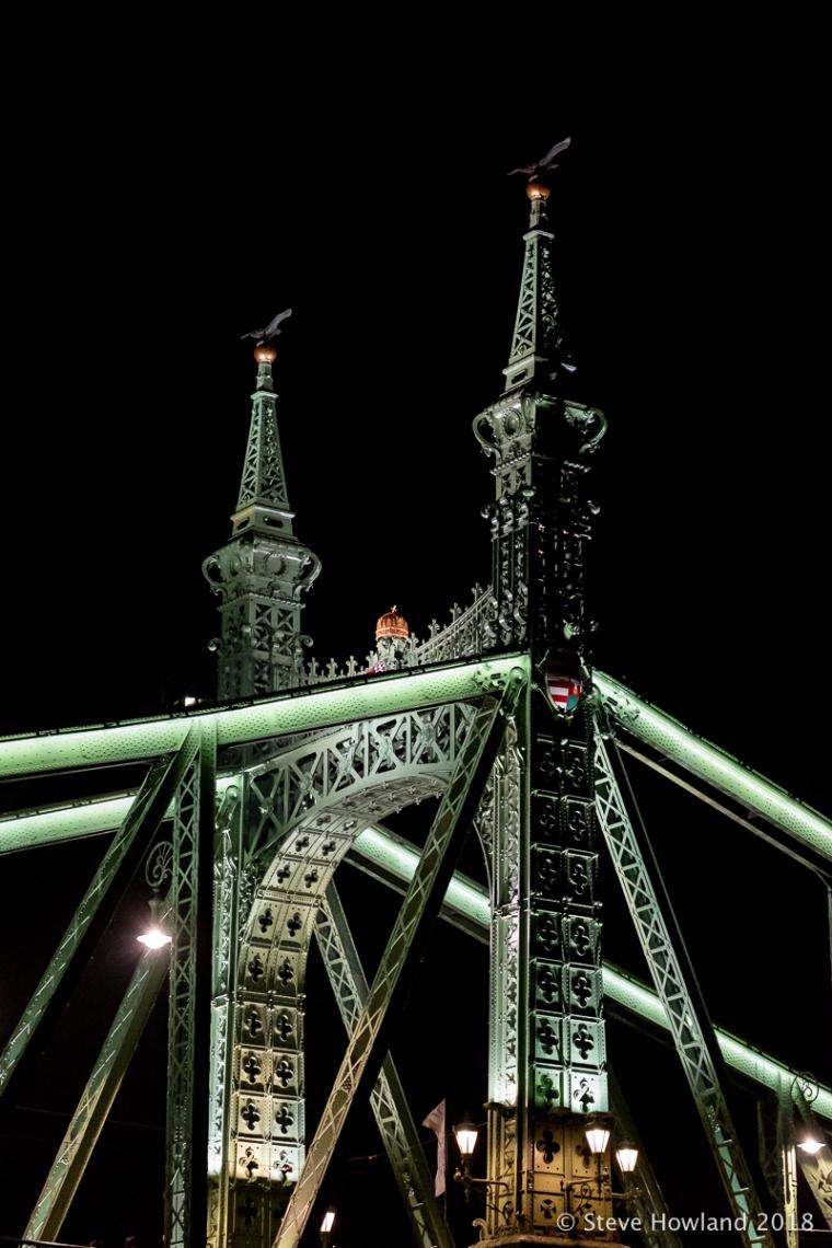 Szabadság híd (Liberty Bridge) at night